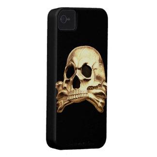 Caso intrépido 9700 de Totenkopf Blackberry Case-Mate iPhone 4 Fundas
