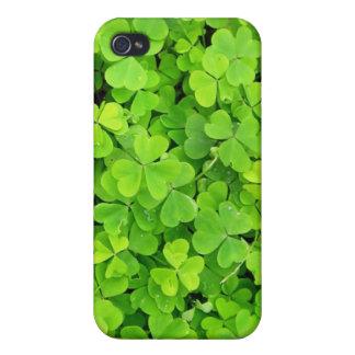 Caso irlandés de los tréboles iPhone 4 carcasas