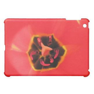 Caso macro del iPad del tulipán rojo