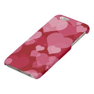 Caso mate del iPhone 6 de los corazones rojos de