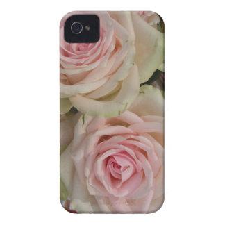 Caso rosado romántico del iPhone 4 de los rosas Case-Mate iPhone 4 Cárcasas