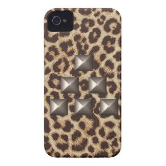 Caso tachonado triángulo del guepardo Case-Mate iPhone 4 cárcasas