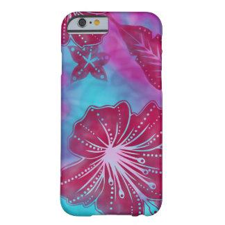 Caso tropical del iPhone 6 del batik de la flor de Funda De iPhone 6 Barely There