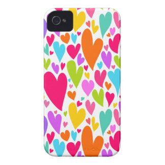Caso vibrante del iPhone 4/4S de los corazones de  iPhone 4 Funda