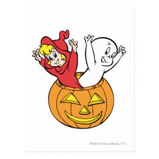 Casper y Wendy en calabaza Tarjetas Postales