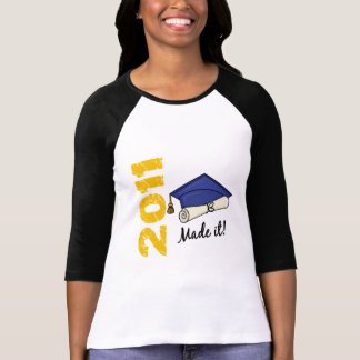 Casquillo 2011 de la graduación camisetas