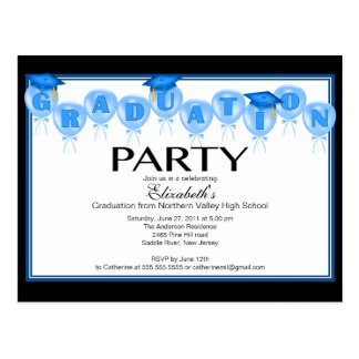 Casquillo azul del graduado de la invitación de la postal