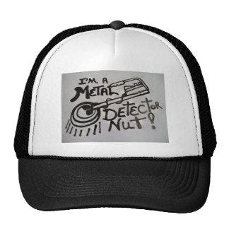 Casquillo con diseño del detector de metales en el gorras