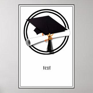 Casquillo de la graduación con el círculo blanco y póster