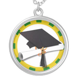Casquillo de la graduación - la escuela colorea el colgante redondo