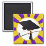 Casquillo de la graduación y diploma (1) púrpuras  iman