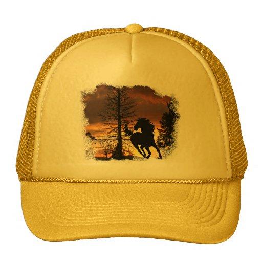 Casquillo de la puesta del sol del caballo salvaje gorras de camionero