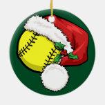 Casquillo de Santa del softball con el ornamento v Ornamentos De Navidad