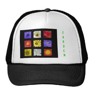 Casquillo del jardín con las flores del verano gorras