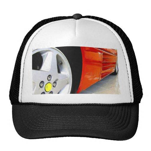 Casquillo rojo del coche de deportes gorra