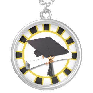 Casquillo w/Diploma de la graduación - oro y negro Collar Personalizado