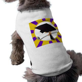 Casquillo w/Diploma de la graduación - oro y púrpu Ropa De Mascota