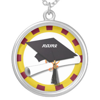 Casquillo w/Diploma de la graduación - oro y rojo Pendiente Personalizado