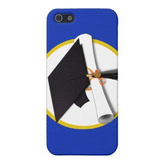 Casquillo w/Diploma - fondo azul marino de la iPhone 5 Fundas