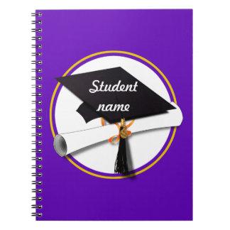 Casquillo w/Diploma - fondo púrpura de la Libros De Apuntes Con Espiral