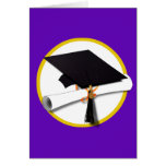 Casquillo w/Diploma - fondo púrpura de la graduaci