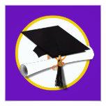 Casquillo w/Diploma - fondo púrpura de la Invitación 13,3 Cm X 13,3cm