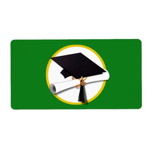 Casquillo w/Diploma - fondo verde de la graduación Etiquetas De Envío