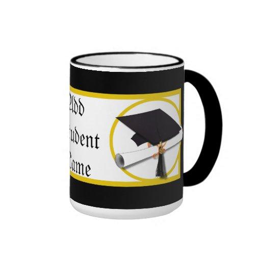 Casquillo y diploma 1 de la graduación taza