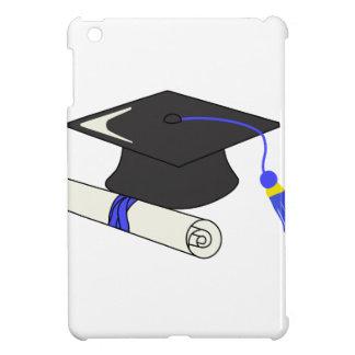 Casquillo y diploma de la graduación