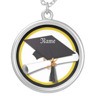 Casquillo y diploma de la graduación colgante redondo