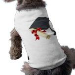 Casquillo y diploma de la graduación ropa para mascota