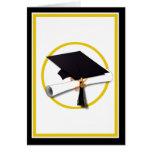 Casquillo y diploma de la graduación tarjeta de felicitación