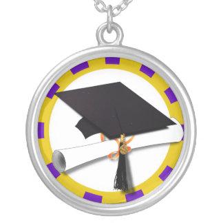 Casquillo y diploma del graduado - púrpura y colgante redondo