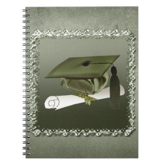 Casquillo y diploma, invitación de la graduación, spiral notebooks