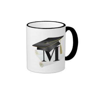 Casquillo y diploma M de la graduación Taza