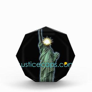 Casquillos de la justicia: Medios de la justicia q