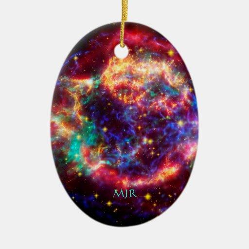 Cassiopeia del monograma, la supernova más joven d ornamento de reyes magos