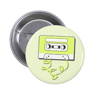 Casssette retro pin