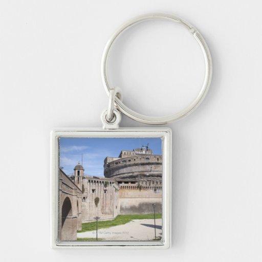 Castel Sant'Angelo se sitúa cerca del vatican, 3 Llaveros