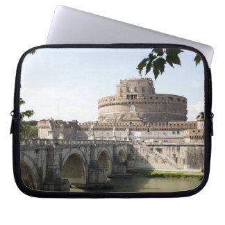 Castel Sant'Angelo se sitúa cerca del vatican, Fundas Ordendadores