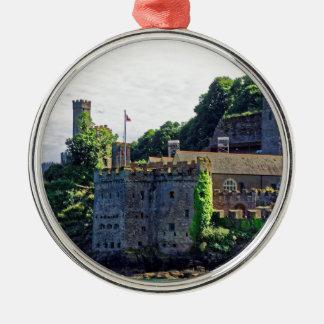 Castillo #2, Devon, Inglaterra de Dartmouth Adorno Redondo Plateado