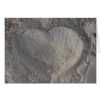 Castillo de arena en forma de corazón corazón tarjeta de felicitación