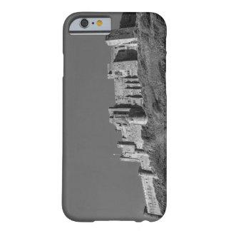 Castillo de Bamburgh, Northumberland Funda Barely There iPhone 6
