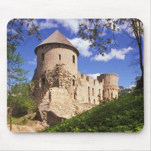 Castillo de Cesis en Letonia central Tapetes De Raton