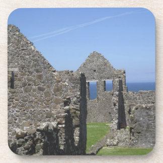 Castillo de Dunluce cerca de Bushmills y de Portru Posavasos De Bebidas