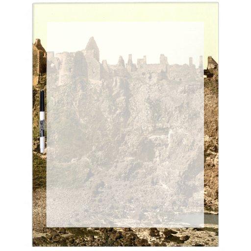 Castillo de Dunluce, condado Antrim, Irlanda del N Pizarras