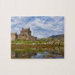 Castillo de Eilean Donan del panorama visto del su Rompecabeza