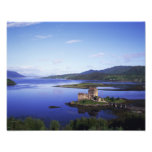 Castillo de Eilean Donan, Dornie, montañas, Arte Fotografico