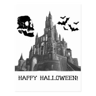 Castillo de Halloween con el cráneo y el palo Tarjetas Postales