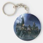Castillo de Hogwarts en la noche Llavero Redondo Tipo Pin
